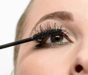 154658-350x299-applying-mascara-top-lashes